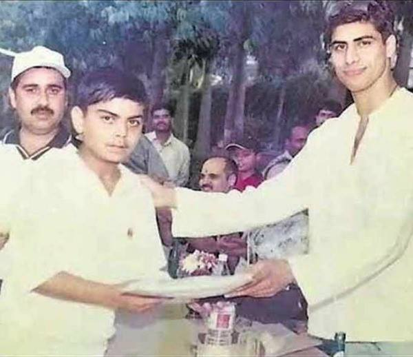 kohli with ashish nehra